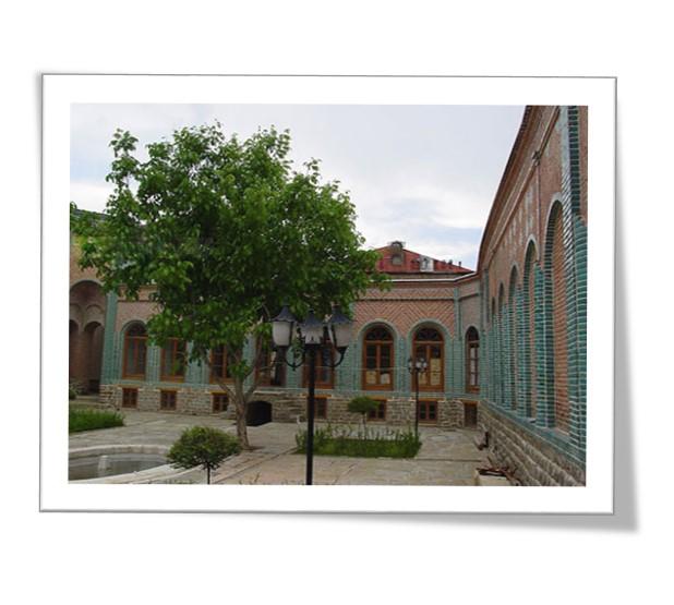 مرمت دانشکده هنر ارومیه